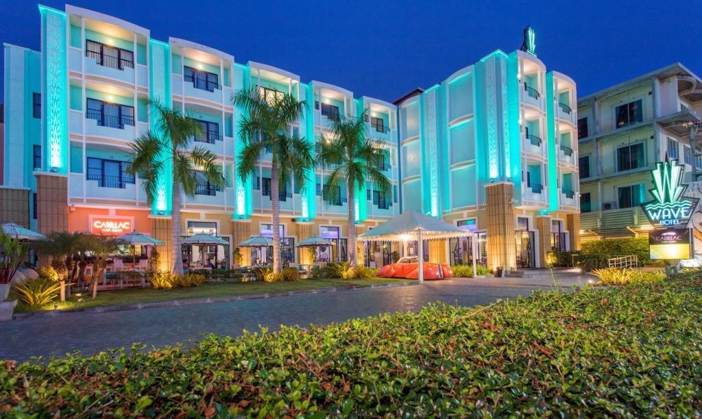 ウェイブ ホテル (Wave Hotel)